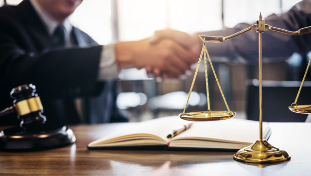 What-To-Consider-When-Choosing-A-Law-Firm-For-Your-Business